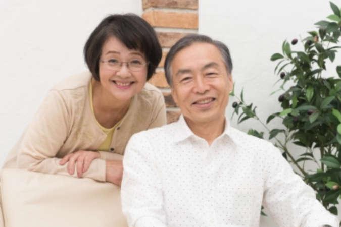 開業資金を援助する両親