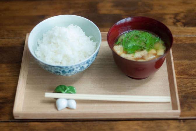 飯場 松の葉 自慢のご飯と味噌汁
